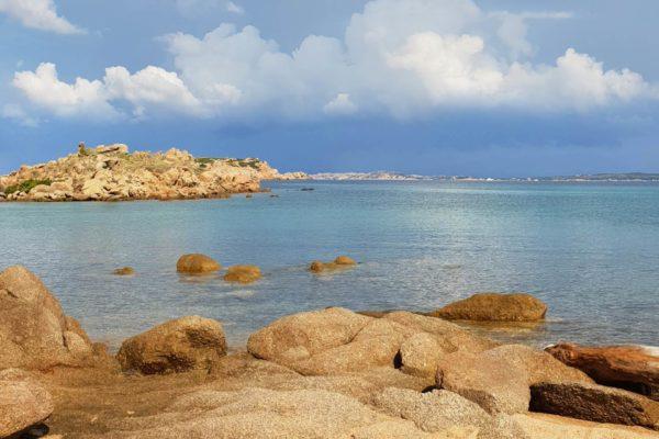 Montebello21 ✓ Spiaggia dell'Isuledda nell'Arcipelago di La Maddalena