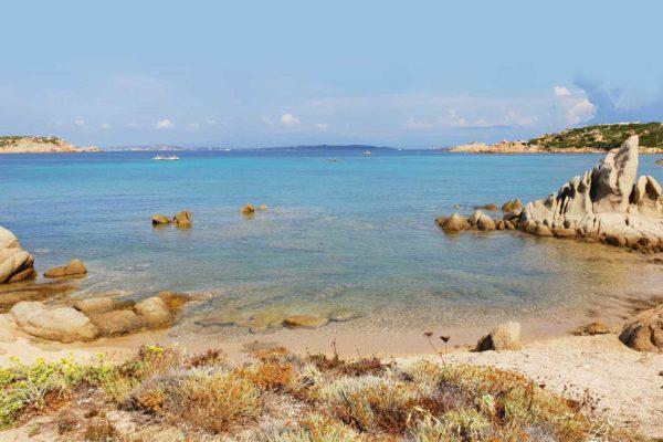 Montebello21 ✓ Spiaggia dell'Alberello nell'Arcipelago di La Maddalena