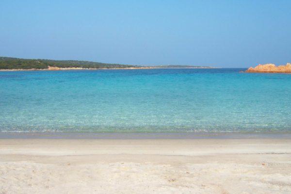 Montebello21 ✓ Spiaggia di Cala Andreani a Caprera nell'Arcipelago di La Maddalena