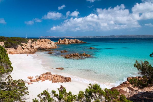 Montebello21 ✓ Cala Granara sull'Isola di Spargi nell'Arcipelago di La Maddalena