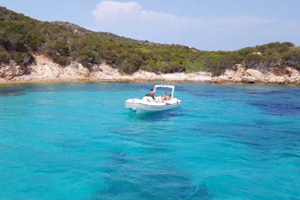 Montebello21 ✓ Spiaggia di Cala Lunga - Isola di Razzoli nell'Arcipelago di La Maddalena