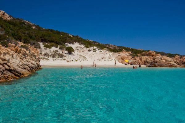 Montebello21 ✓ Cala Soraya sull'Isola di Spargi nell'Arcipelago di La Maddalena