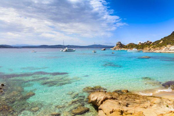 Montebello21 ✓ Cala Conneri sull'Isola di Spargi nell'Arcipelago di La Maddalena