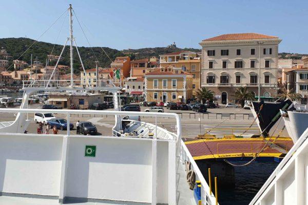 Montebello21 ✓ Traghetti per l'Arcipelago La Maddalena