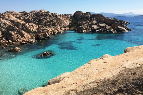 Montebello21 ✓ Spiaggia di Cala Coticcio - Isola di Caprera nell'Arcipelago La Maddalena