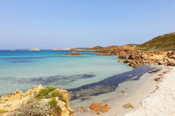 Montebello21 ✓ Spiaggia di Bassa Trinita nell'Arcipelago di La Maddalena