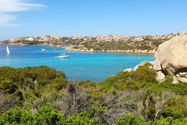 Montebello21 ✓ Spiaggia di Monti D'A Rena nell'Arcipelago di La Maddalena